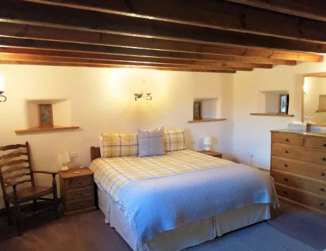 herdwick-barn-main-bedroom-2