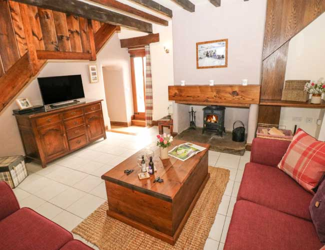 highfields-barn-lounge-area