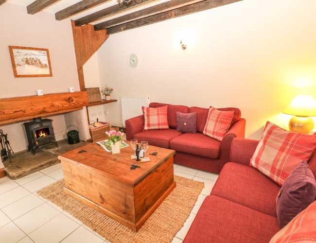 highfields-barn-lounge