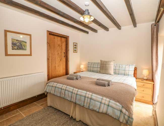 highfields-barn-king-bedroom