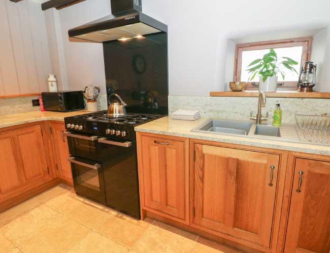 highfields-barn-kitchen-area