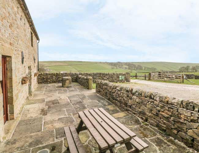 highfields-barn-outside-area