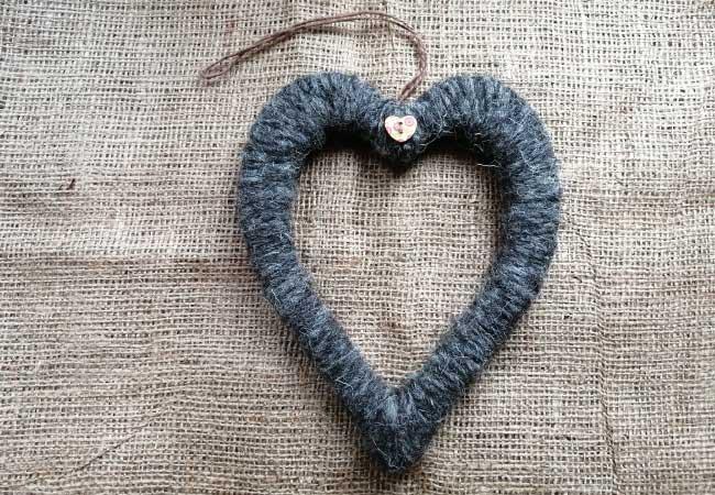 dark-herdwick-wool-handmade-heart